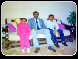 Mohamed Axmed and his family
