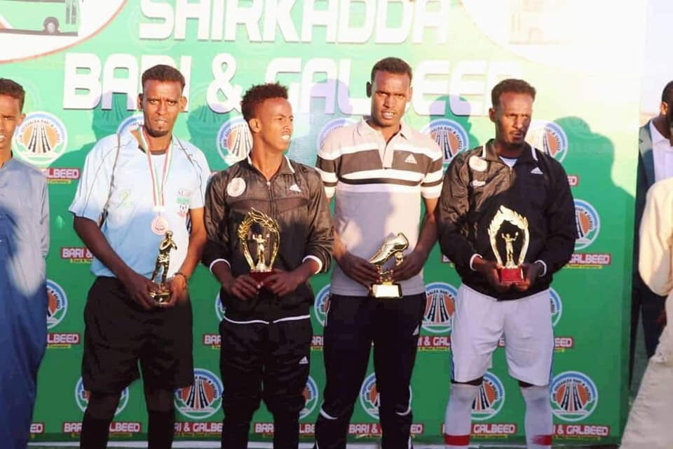 Abaalmarino la gudoonsiiyay kooxaha tartamay ee Boorama Cup. Araweelo News Network.